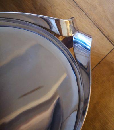 close up of stylised handles on ampaloni 925 silver modernist style large bowl from Antik Seramika Essex UK