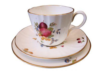 Royal Worcester Delecta vintage porcelain tea trio from Antik Seramika
