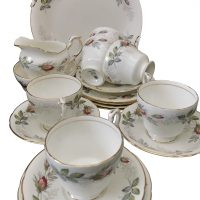 Vintage Paragon Bridal Rose 15 piece tea set with gilding - Antik Seramika