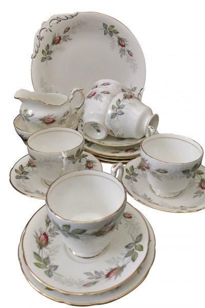 Vintage Paragon Bridal Rose 15 piece tea set with gilding - Antik Seramika
