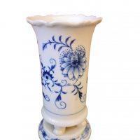 Meissen blue onion pedestal vase crossed swords mark - Antique porcelain at Antik Sermamika